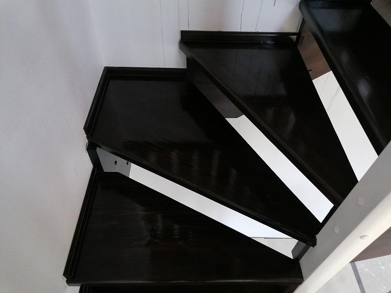scari pe vanguri – scari interioare-(2)